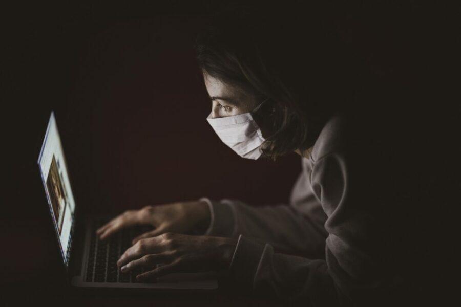 Quali sono le conseguenze per un dipendente in malattia visto in giro